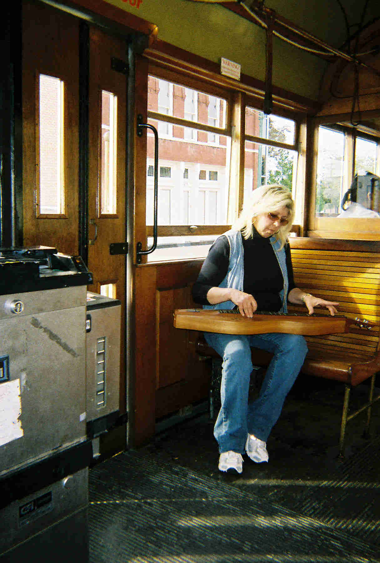 mdg2006_nd_046-21a_debontrolley.jpg